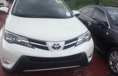 White 2013 Toyota RAV4 suv for sale at price ₦7,500,000 in Lagos