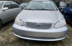 Selling grey 2008 Toyota Corolla sedan automatic