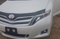 Used white 2015 Toyota Venza suv at mileage 52,358 for sale