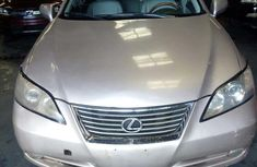 Clean gold 2007 Lexus ES automatic for sale at price ₦2,300,000