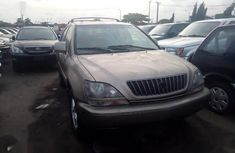 Sell gold 2001 Lexus RX suv automatic at cheap price