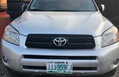 Sell well kept grey 2009 Toyota RAV4 automatic at price ₦1,950,000