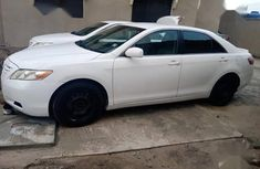 Neatly used white 2007 Toyota Camry automatic in Lagos