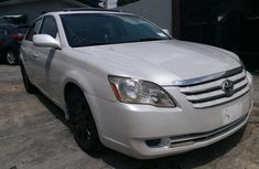 Need to sell high quality white 2007 Toyota Avalon automatic