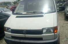 Need to sell high quality white 2004 Volkswagen Transporter at price ₦1,380,000 in Lagos