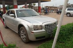 Need to sell high quality 2006 Chrysler 300C at price ₦1,700,000 in Lagos