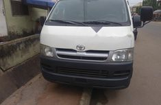 Selling white 2006 Toyota HiAce van in good condition