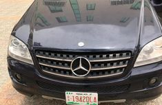 Need to sell cheap used blue 2007 Mercedes-Benz M-Class automatic in Lagos