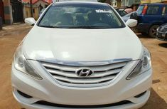 Hyundai Sonata 2011 White for sale