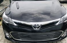 Sell well kept 2015 Toyota Avalon automatic at price ₦12,650,000