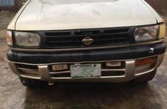 Need to sell high quality 1998 Nissan Pathfinder suv at price ₦500,000 in Lagos