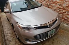 Neatly used grey 2013 Toyota Avalon automatic in Lagos