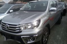 Need to sell high quality other 2017 Toyota Hilux automatic at mileage 3,000