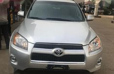 Need to sell high quality grey/silver 2012 Toyota RAV4 automatic at price ₦4,600,000