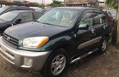 Selling green 2004 Toyota RAV4 suv automatic at price ₦2,000,000