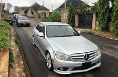 Sparkling cheap used 2008 Mercedes-Benz C300 automatic at mileage 82,000