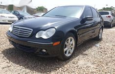 Need to sell high quality black 2007 Mercedes-Benz C280 automatic in Kaduna