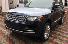 Need to sell cheap used blue 2014 Land Rover Range Rover Vogue suv / crossover in Lagos
