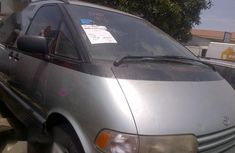 Need to sell high quality 2001 Toyota Previa at price ₦1,390,000 in Lagos