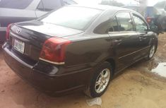 Neatly used brown 2005 Toyota Avensis automatic in Abuja