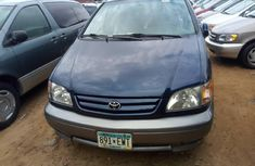 Very clean 2003 Toyota Sienna for sale at price ₦1,950,000