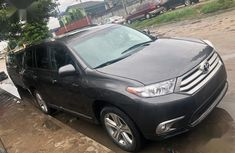 Used grey 2008 Toyota Highlander for sale at price ₦4,300,000 in Lagos