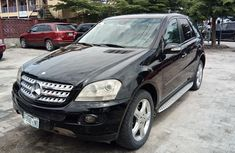 Well maintained black 2008 Mercedes-Benz ML 500 automatic for sale at price ₦3,200,000