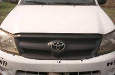 Need to sell cheap used 2010 Toyota Hilux manual in Warri