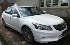 Sell cheap white 2012 Honda Accord automatic in Lagos