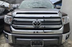 Sell brown 2016 Toyota Tundra automatic at cheap price