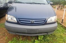 Toyota Sienna 2003 Blue color for sale
