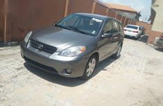 Clean and neat used grey/silver 2006 Toyota Matrix automatic in Lagos at cheap price