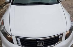 Sparkling white 2009 Honda Accord for sale