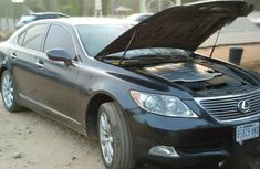 Well maintained grey 2007 Lexus LS sedan automatic for sale