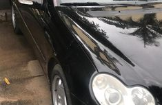 Selling black 2004 Mercedes-Benz C180 at cheap price