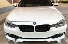 Selling 2016 BMW 328i automatic in Abuja