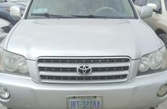 Selling 2002 Toyota Highlander automatic at mileage 121,457