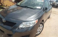 Well maintained green 2010 Toyota Corolla automatic for sale