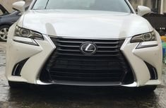 Clean and neat white 2017 Lexus GS