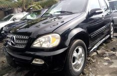 Need to sell used black 2003 Mercedes-Benz ML350 automatic at cheap price
