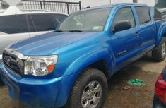 Need to sell used blue 2006 Toyota Tacoma automatic at cheap price