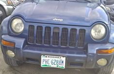 Sell well kept 2004 Jeep Liberty automatic