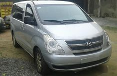 Need to sell grey/silver 2009 Hyundai H1 at price ₦3,500,000 in Lagos