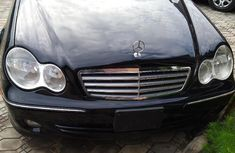 Selling 2007 Mercedes-Benz C280 automatic at mileage 86,500 in Lagos