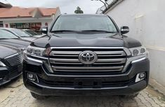 Sell used 2015 Toyota Land Cruiser suv automatic in Ikeja