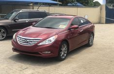 Hyundai Sonata 2013 Red color for sale
