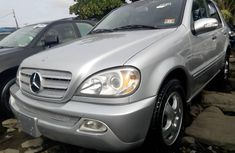 Selling grey 2005 Mercedes-Benz ML350 automatic in Lagos