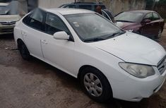 Sell cheap white 2009 Hyundai Elantra sedan automatic at mileage 99,085