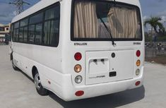 Hyundai HD 2014 White color for sale