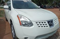 Clean and neat used white 2009 Nissan Rogue automatic in Abuja at cheap price